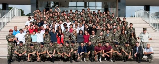 les-etudiants-de-hec-apprennent-le-commandement-a-l-ecole-speciale-militaire-de-saint-cyr